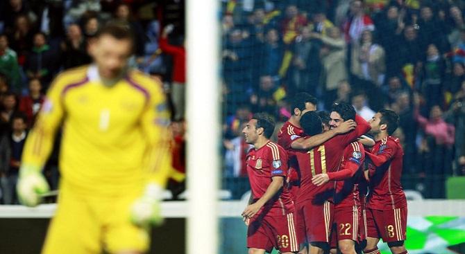 اسپانیا 3-0 بلاروس/ ایسکو، رهبر جدید لاروخا