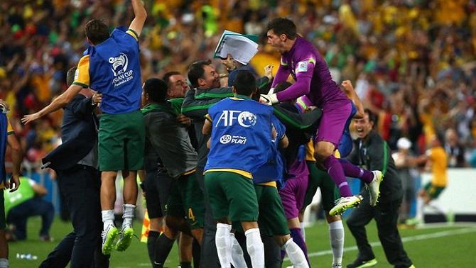 استرالیا 2 - 1 کره جنوبی/ پرچم استرالیا، بر بام آسیا